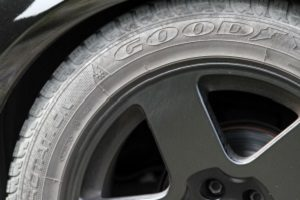 Möchten Sie einen Anhänger gebraucht kaufen, sollten Sie auch die Reifen überprüfen.