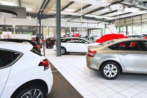 Mit Ratenzahlung zum Auto: Banken bieten Finanzierungsmöglichkeiten an.