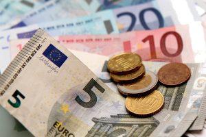 Bevor Sie Ihr Auto finanzieren, sollten Sie ausrechnen, wie viel Geld Sie monatlich ausgeben können.