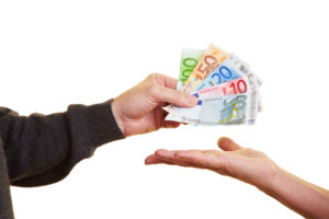 Vereinbaren Sie im Autokaufvertrag möglichst eine Barzahlung des vollen Kaufpreises.