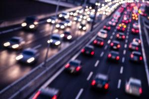Autonomes Fahren wird zuerst auf der Autobahn erlaubt, bevor automatisierte Autos auch in Städten fahren dürfen.