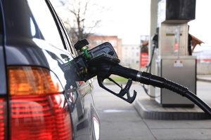 Zukunft für Benziner? Autos zu kaufen, die mit Benzin angetrieben werden, wird durch den Dieselskandal wieder beliebter.