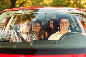 Wenn Sie vom Fahrzeug den Innenraum reinigen, machen Sie einen guten Eindruck auf Ihre Freunde.