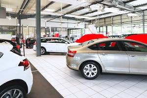 Lohnt es sich, einen Gebrauchtwagen beim Autohändler zu kaufen?