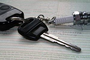 Bei Gebrauchtwagen ist eine Garantie häufig im Preis inbegriffen, wenn Sie beim Händler kaufen.