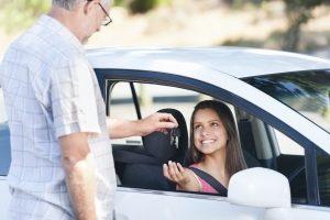 Günstige gebrauchte Kleinwagen sind vor allem bei jungen Fahrern beliebt.