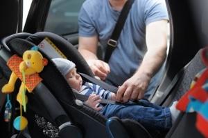 Kaufen Sie ein günstiges Familienauto gebraucht, sollten Sie darauf achten, dass es über das Isofix-System verfügt.