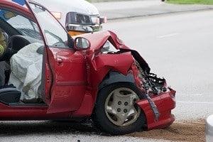 Soll die Kfz-Versicherung auch Schäden an Ihrem Auto absichern, ist eine Kaskoversicherung abzuschließen.