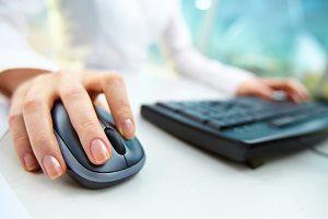 Nutzen Sie Kreditrechner fürs Auto, die Sie im Internet finden.