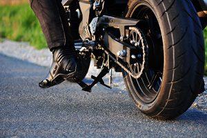 Möchten Sie ein Motorrad gebraucht kaufen, sollten Sie dieses gründlich begutachten.
