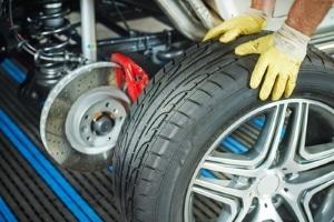 Die Neuwagengarantie umfasst in der Regel keine Verschleißteile wie etwa Bremsbeläge.