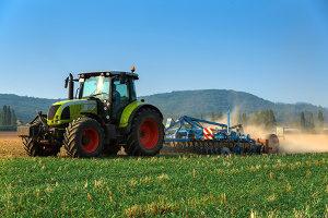 Auch Oldtimer-Traktoren können Sie verkaufen.