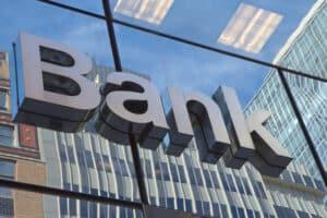 Bei der Bank können Sie einen Ratenkredit zur Pkw-Finanzierung abschließen.