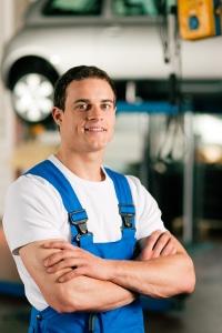 Bei tiefen Kratzern ist eine professionelle Lackaufbereitung meist unabdingbar.