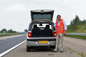 Der Schutzbrief Ihrer Kfz-Versicherung bietet Hilfe bei einer Panne.