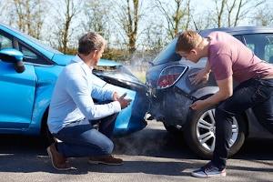 Nach einem Unfall besteht ggf. ein Sonderkündigungsrecht bei der Kfz-Versicherung.