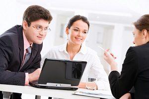 Die Überführungsgebühr sollte im Verkaufsgespräch thematisiert werden.