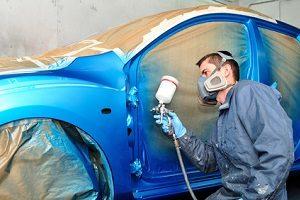 Reparierte Unfallfahrzeuge werden als günstige Gebrauchtwagen angeboten.