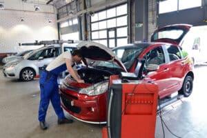 Eine Wertsteigerung erhält Ihr Auto, wenn Sie alle Inspektionen und Reparaturen termingerecht durchführen lassen.
