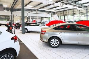 Der Wertverlust von einem Neuwagen lässt sich nicht pauschal angeben oder berechnen.