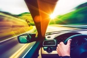 """Viele Autokäufer fragen sich: """"Wie fahre ich einen Neuwagen richtig ein?"""""""