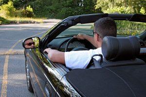 Steigern Sie den Wiederverkaufswert von Ihrem Auto: Eine gedeckte Farbe verkauft sich besser.